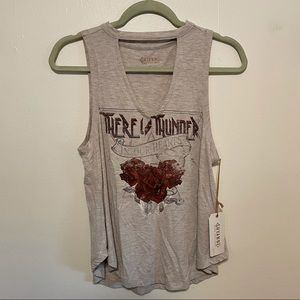 NWT Shyanne Thunder Rose Cut Out Tank M